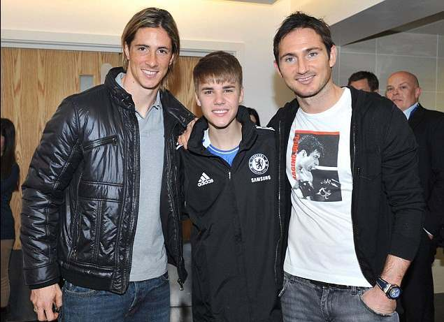 ¿Cuánto mide Justin Bieber? - Altura: 1,73 - Real height - Página 5 BieberChelsea02
