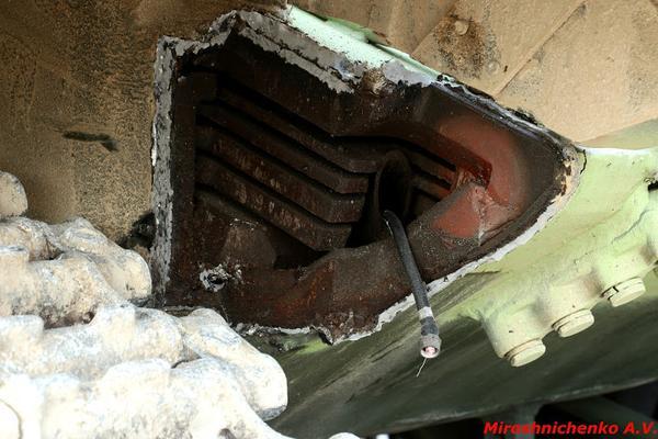 General Main Battle Tank Technology Thread: - Page 18 T-72b%2Bglacis%2Barmour