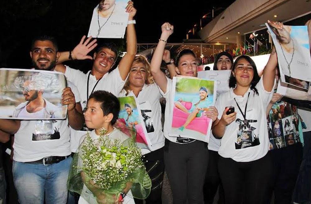 جميلات لبنان يحاصرن تامر حسني 1