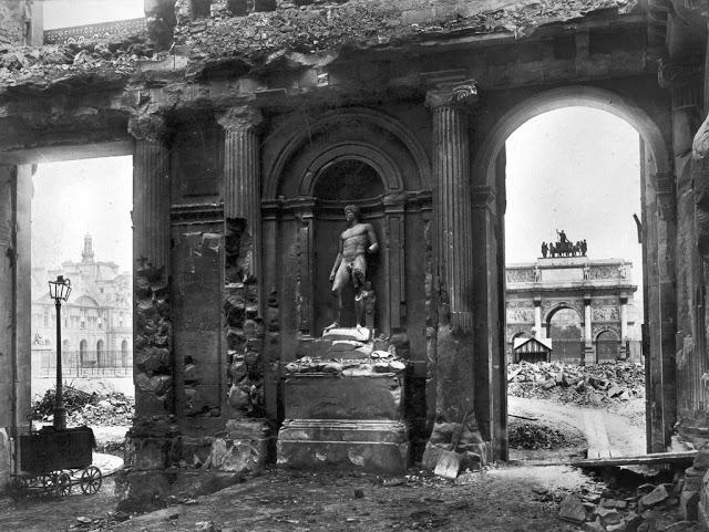 Convergence des luttes. Appel au 5 mai. La Fête à Macron !  Med_le-palais-des-tuileries-apres-l-incendie-de-mai-1871-bhvp-roger-viollet-jpg