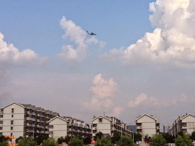 طائره النقل الثقيل الصينيه الجديده Xian Y-20  PLAAF%2BY-20%2BXian%2Btrial%2Bflights%2Bin%2Bcentral%2BChina%2B2