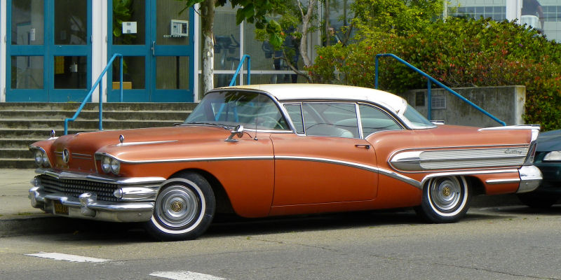 It's a Buick, but it's not something you see very often. Caballero!  101_2202