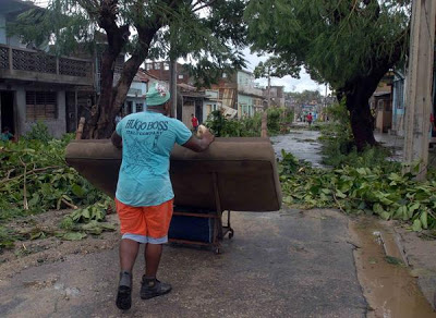 """[Malas noticias] El huracán """"Sandy"""" dejó 11 muertos en su paso por Cuba Santiago%2B5"""