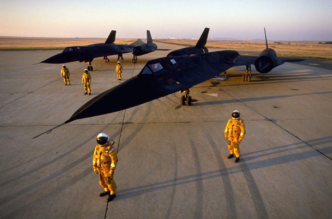 صائدة الثعالب  الروسية   تنهي الشحرورة  الامريكية Lockheed-martin-sr-71-blackbird-1
