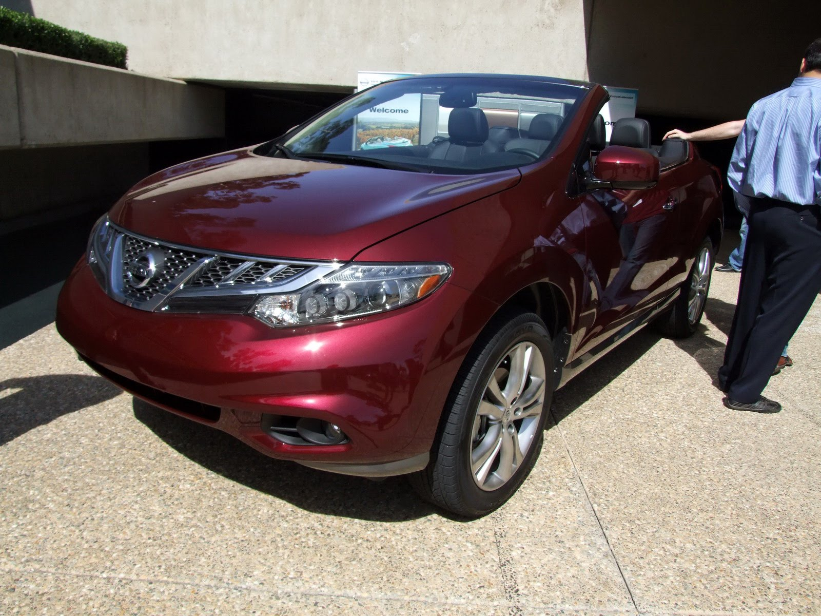 2010 - [Nissan] Murano CrossCabriolet - Page 4 2011-Nissan-Murano-CC-TD-644