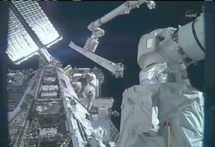 [STS-134] Endeavour: Déroulement de la mission.   - Page 5 Eva4
