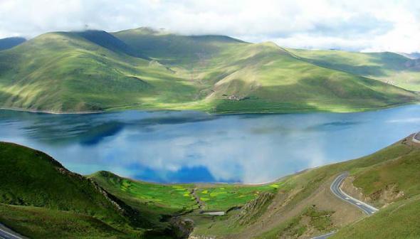 உலகின் அழகிய இயற்கை பிரதேசங்கள்! Yamdrok-Lake