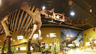 Dinosaur Hoax - Dinosaurs Never Existed! Fake-dinosaur