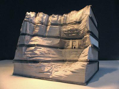 فن النحت على الكتب Landscapes-carved-into-books-guy-laramee-2