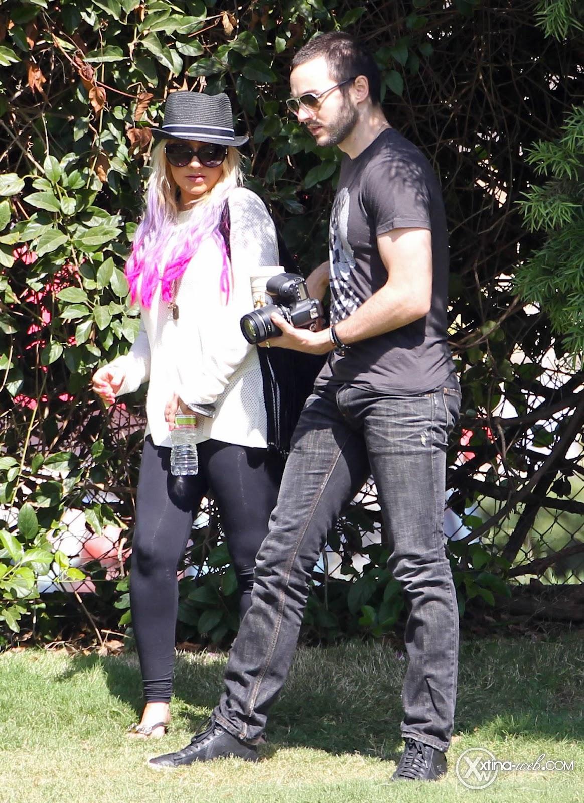 [Fotos] Christina, Max y Matt en Studio City (California) 7/10/2012 34