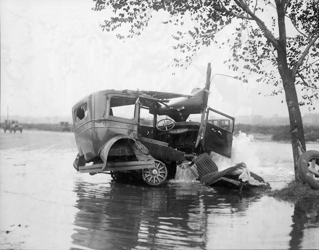 حوادث السيارات في عام 1930 أي قبل 80 سنة .. صور تكشف لأول مرة !؟ Supercoolpics_18_30082012194036