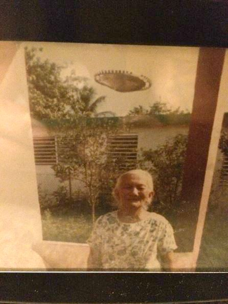 UFO News ~ 8/22/2015 ~ UFO Photo: Puerto Rico 1985 and MORE Pr-ufo1a