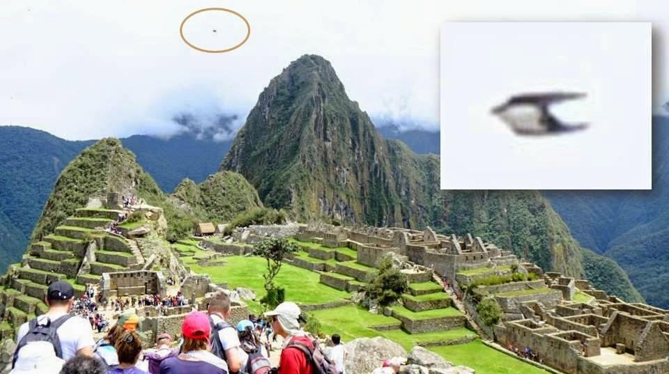 Strange Objects photographed in the sky over ancient Machu Picchu in Peru Ufo_machu_picchu-ancient_peru_1