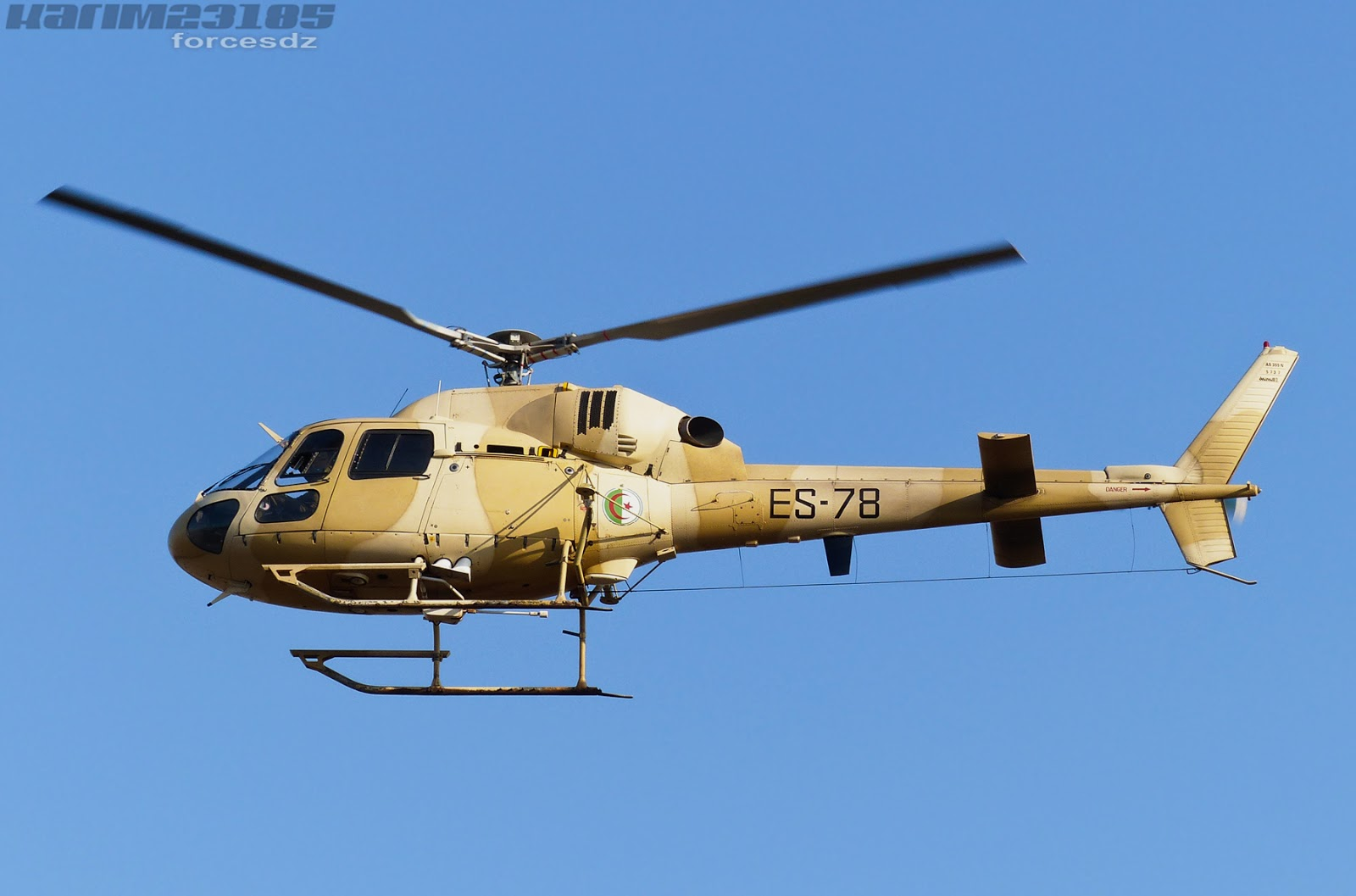 صور مروحيات القوات الجوية الجزائرية Ecureuil/Fennec ] AS-355N2 / AS-555N ] - صفحة 3 P1060612