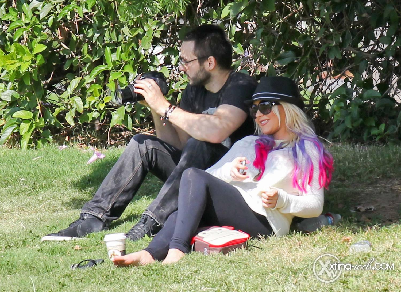 [Fotos] Christina, Max y Matt en Studio City (California) 7/10/2012 17