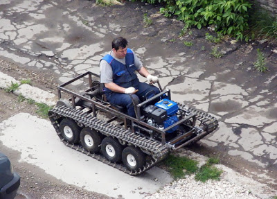 عجآئب و غرآئب الصصور النآدره !@ Russian-creates-army-tankstyle-chain-mover-from