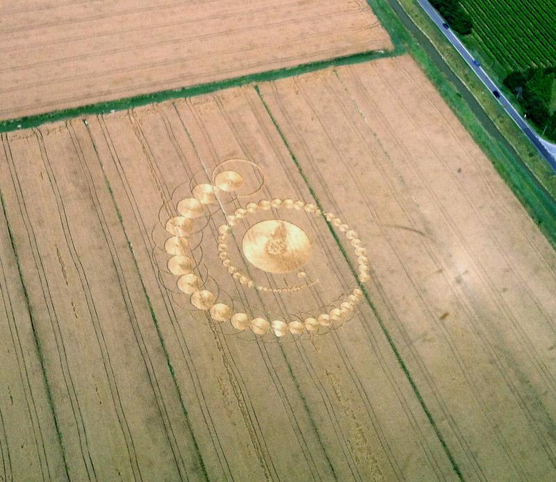 Círculos cosechas - crop circles  - Página 5 Fabbricoial