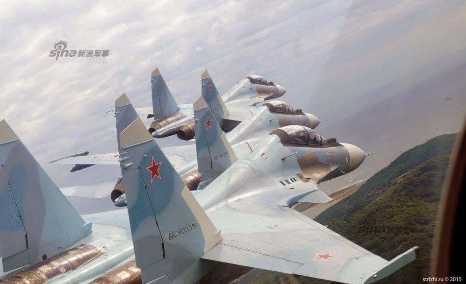 Rusia - Página 16 Russian%2BAir%2BForce%2BSu%2B-30SM%2B142%2Bcruise%2Bcoastline%2B4