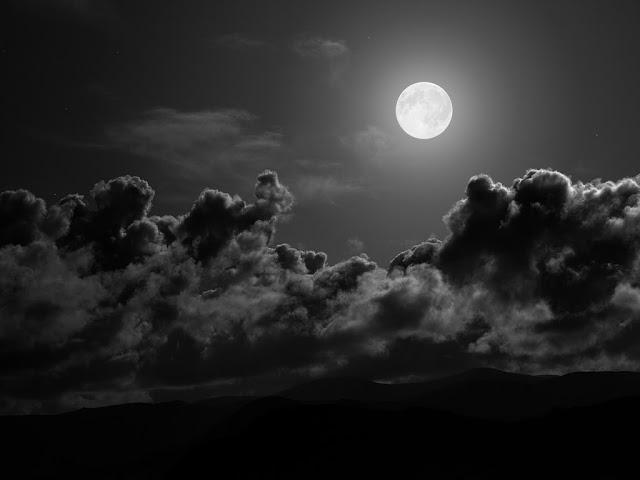 القمر البدر _ باييسيوس الآثوسي Fullmoon