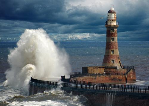 El mar azul.....la mar...sus olas Faro