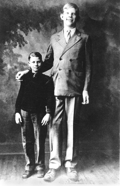 ¿Cuánto mide Robert Wadlow? - Altura - Real height 6