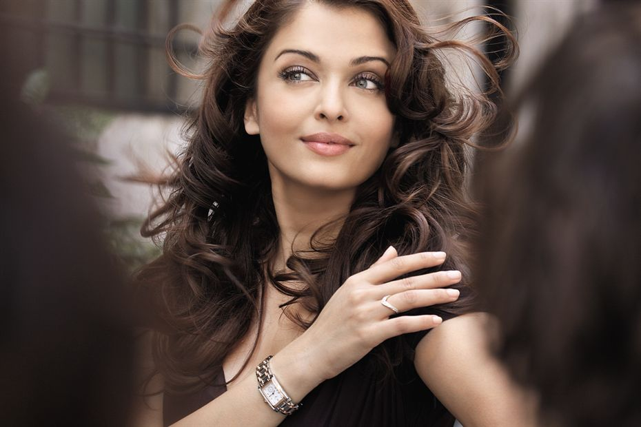 Aishwarya Rai Bachchan - Stránka 14 Longinesdv0242