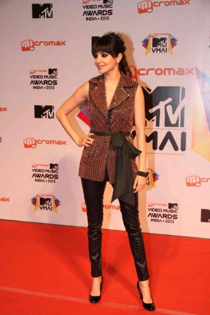 Anushka Sharma at Micromax MTV Video Music Awards India 2013 Micromax-MTV-Video-Music-Awards-India-2013-35