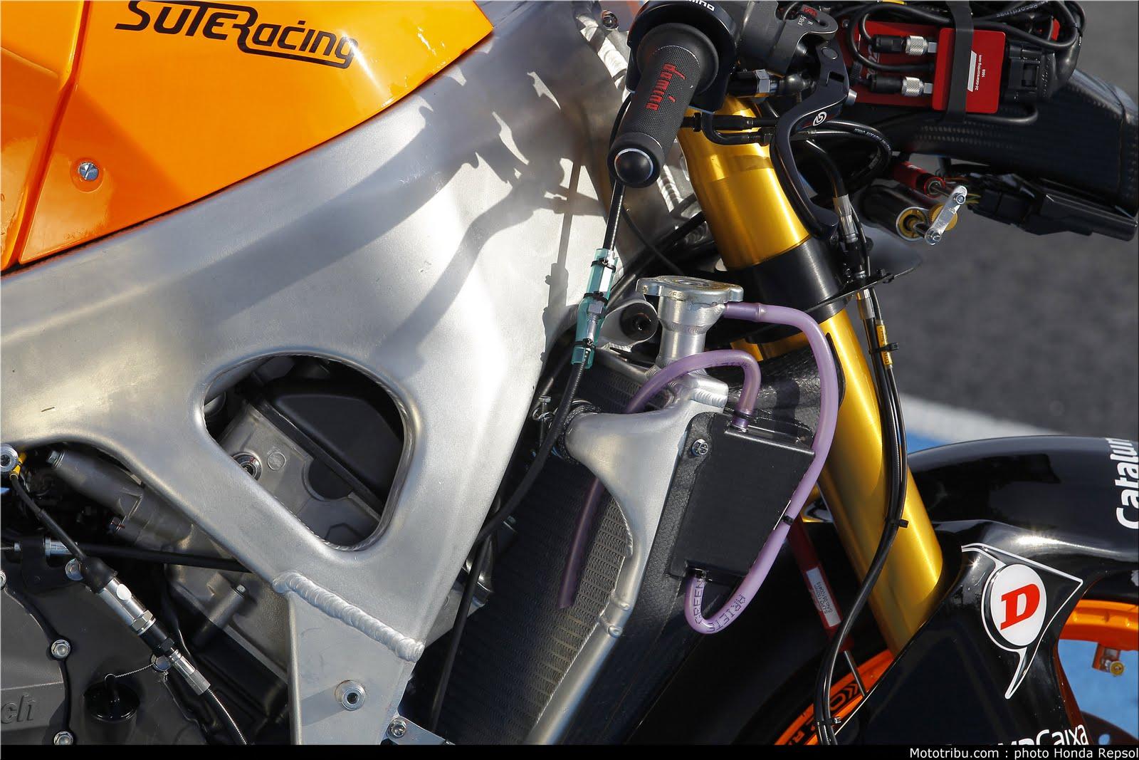 Machines de courses ( Race bikes ) - Page 6 Suter%2BMMX%2BMarquez%2B2011%2B10