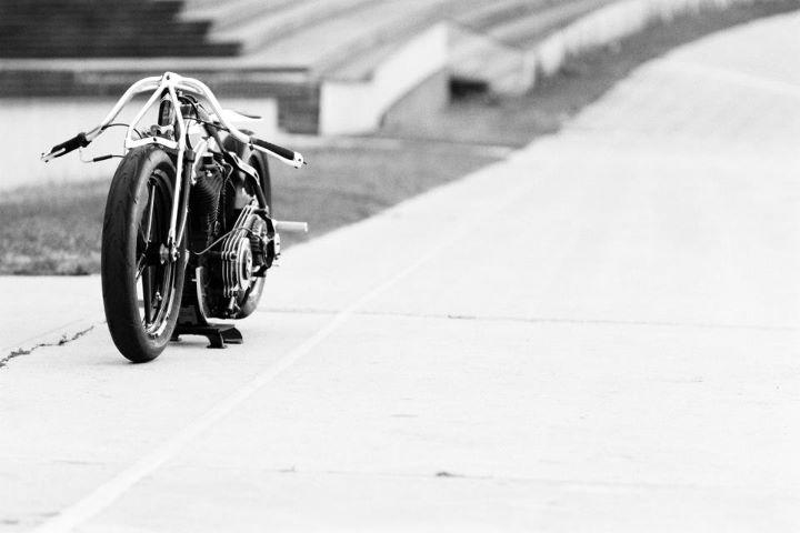 Racer, Oldies, naked ... TOPIC n°2 - Page 5 423364_381728908523399_100000588805541_1322137_13867000_n