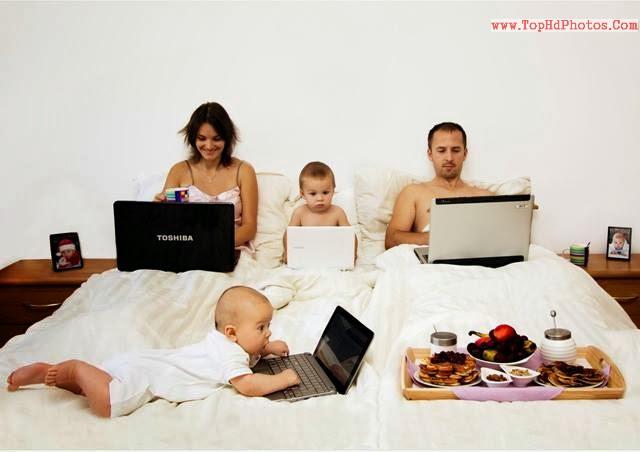 Čudne porodične fotografije  - Page 5 1897860_365439953596661_2059803270_n