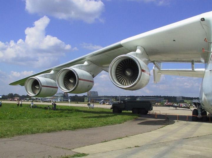 Zanimljivosti o avionima Najveci-avion-na-svetu-6