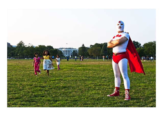 Les super-héros de la vraie vie 560482_10150631184234087_512639086_9302453_1762025583_n