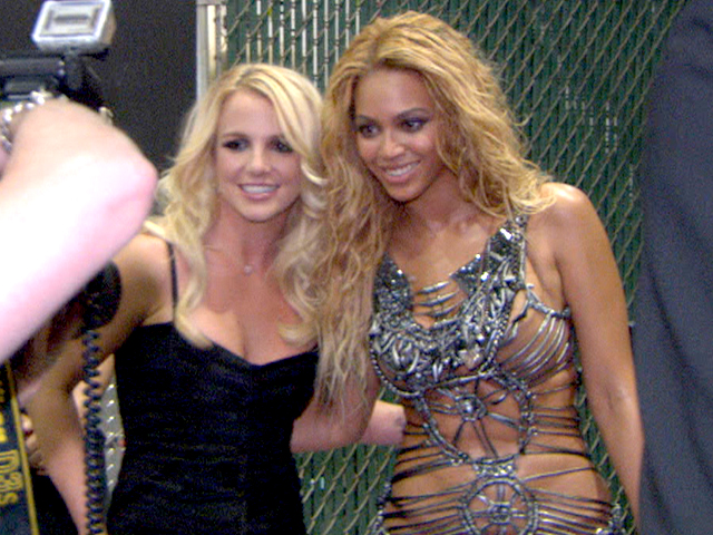 AS Presents: The Search Of The Next Doll - Resultados ronda #6 [Pag. 49] - Página 26 146152_billboard-music-awards-2011-backstage-stars-rave-over-britney-spears-performance