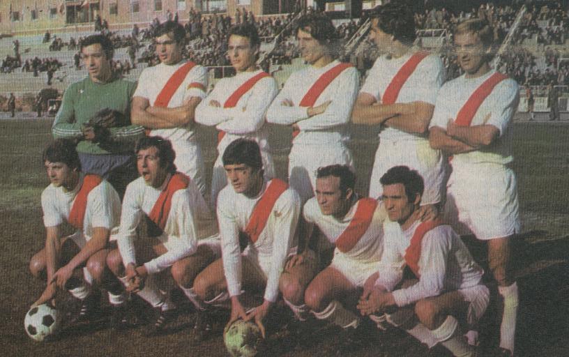 FOTOS HISTORICAS O CHULAS  DE FUTBOL - Página 2 Rayo%2Bvallecano%2B1957%2Beoi