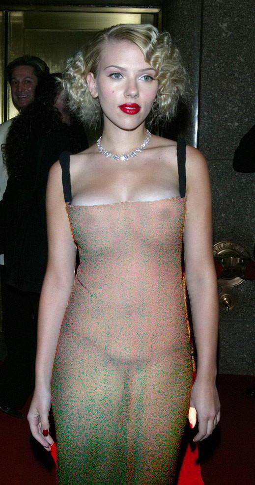 Ohh...la Johansson Famosas-con-vestidos-transparentes-Scarlett-Johanson
