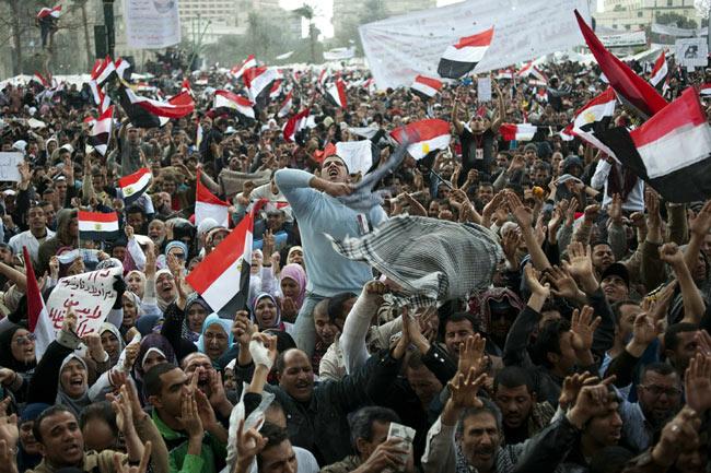 صور أرشفية من قلب أحداث الثورة Revolution_egyptienne