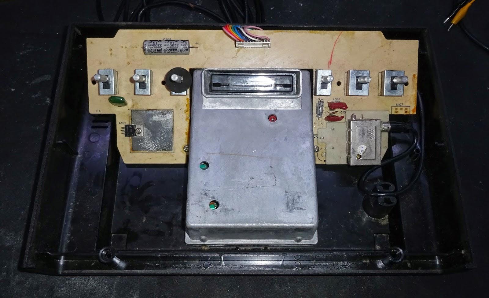 Studio II de RCA, pire hardware de l'histoire videoludique? Atari%2B2600%2Binside
