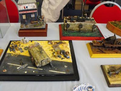 Maquettexpo : La table de Kitmaquettes DSCF2229