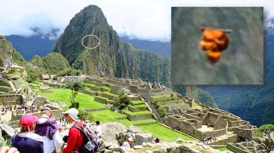 Strange Objects photographed in the sky over ancient Machu Picchu in Peru Ufo_machu_picchu-ancient_peru