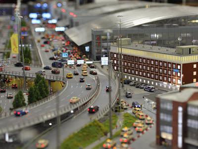 [Internacional]  (Imagens) Aeroporto de Hamburgo em miniatura  Knuffingen-airport_01