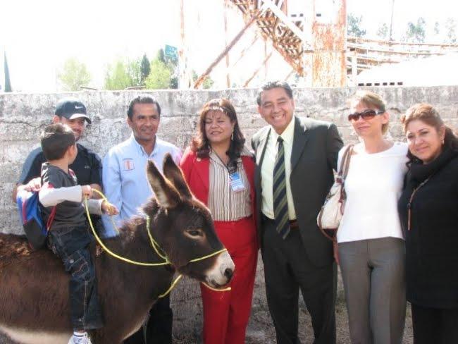 Guanajuato - Alcalde panista regala burros a niños para ir a la escuela en Guanajuato  Burro_guanajuato