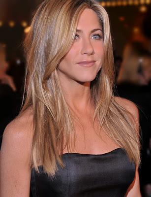 Beautiful People - Page 7 Actress_jennifer_aniston_hot_wallpaper