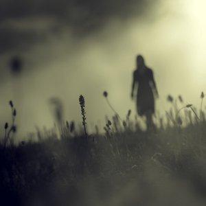 Foro abierto -Morning After Dark (Afiliación élite) Sombra_de_mujer