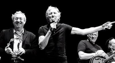 Nouvelle galerie photos de Gilmour et le Floyd sur le site de Feelingfloyd 35575_174707426043962_1297459781_n