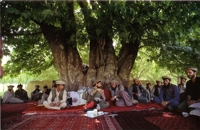Ahmad Chah Massoud Ahmad-Shah-Massoud-par-Hiromi-Nagakura-_Farkhar-Teppich_