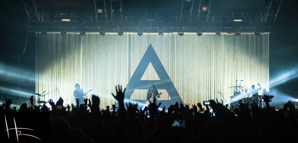 Live Report : Thirty Seconds To Mars + Twin Atlantic @ Le Zénith, Paris - 18/02/14 Sce