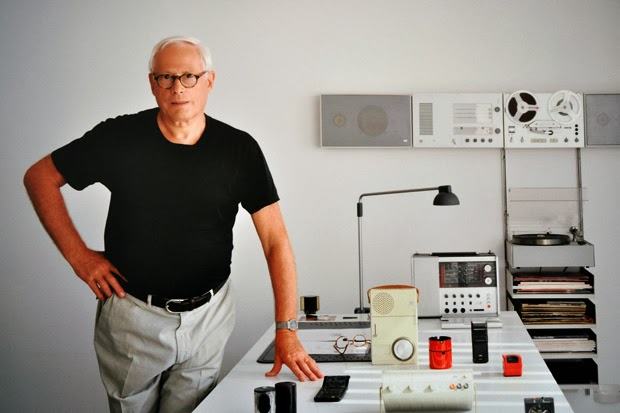 BRAUN - Página 4 Dieter-rams-less-and-more-exhibition-design-museum-1