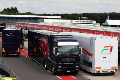 ¿QUE ES UN EQUIPO DE F1? Toro-rosso-camion