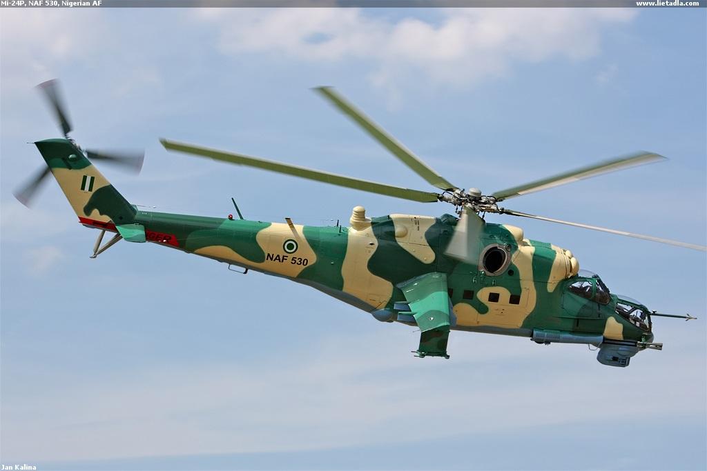 Armée Nigériane / Nigerian Armed Forces - Page 2 MI-24P%2B530%2BNIGERIA%2B2%2B31-07-2008%2BCHARASTANY%2BREP%2BCHECA