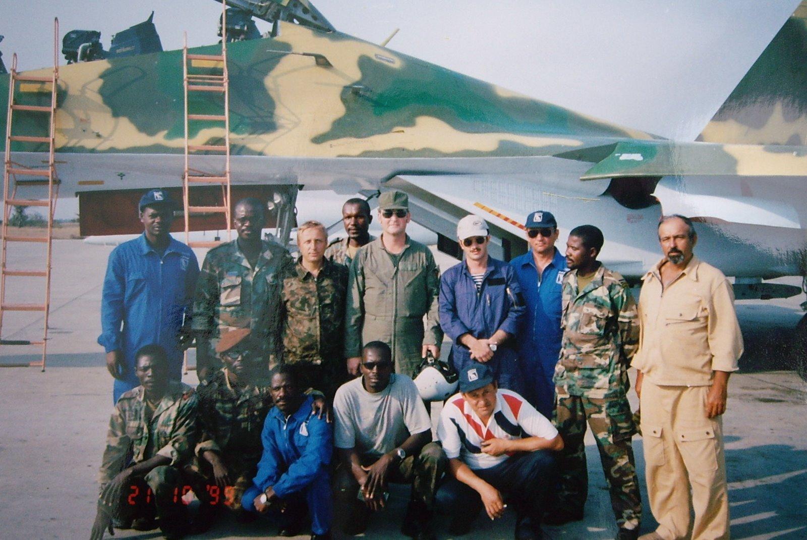 Armée Angolaise/Angolan Armed Forces SU-27%2BANGOLA%2B3